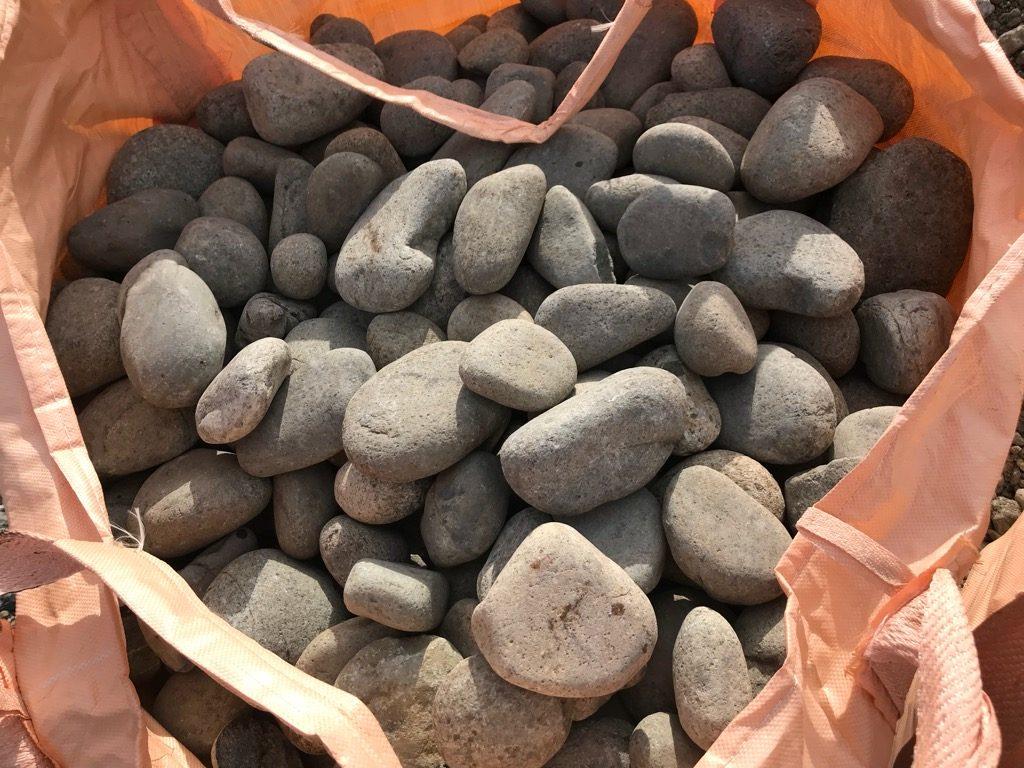 天然ごろた石。廃盤で残りわずかの在庫が全て売れました