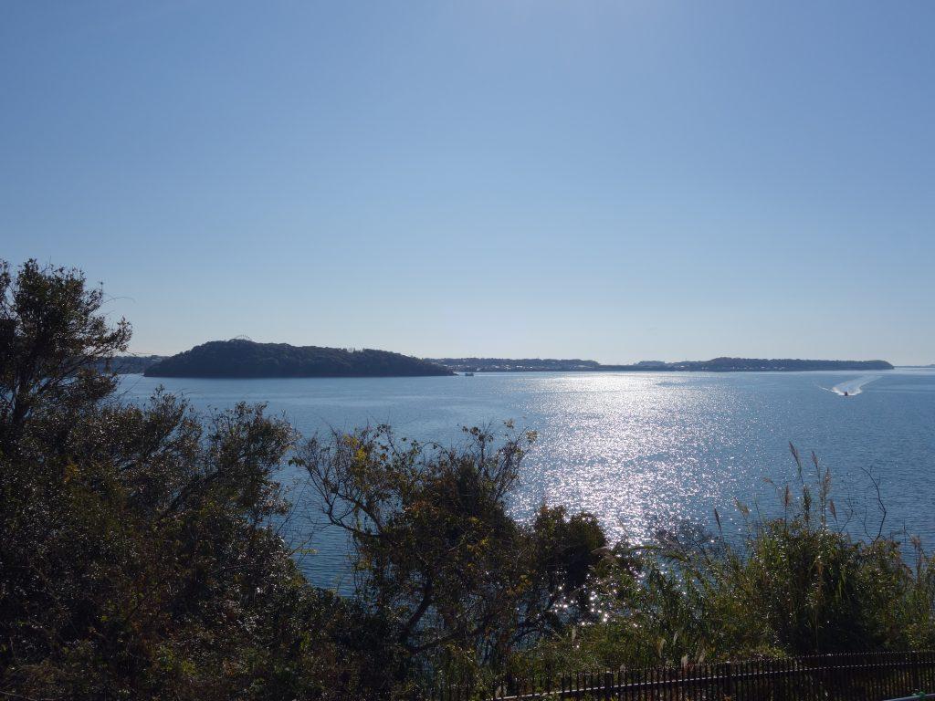 浜名湖のきらめく海面が美しい