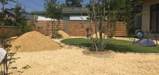 クリームクラッシュの砂利敷き